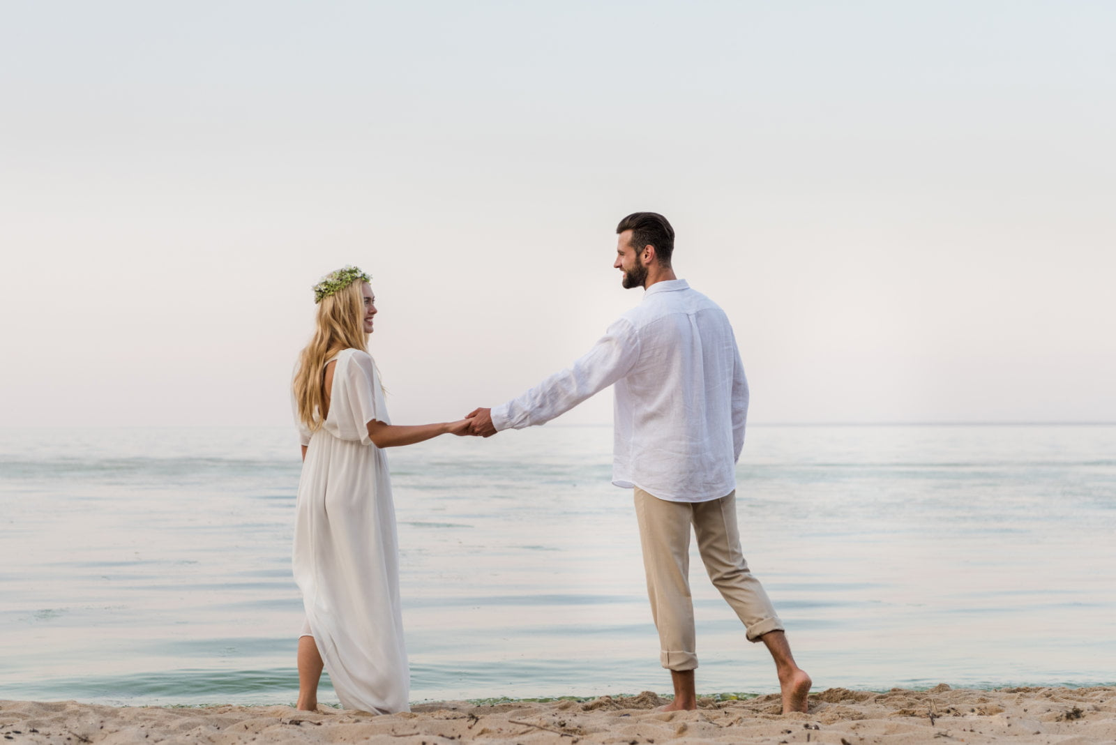 The Do's and Don'ts of a Beach Wedding